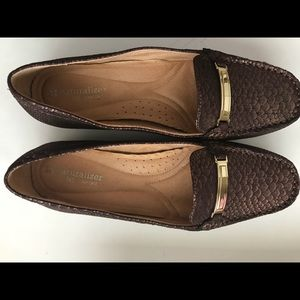 Naturalized Bronze Flats with Gold Trim - 8 1/2